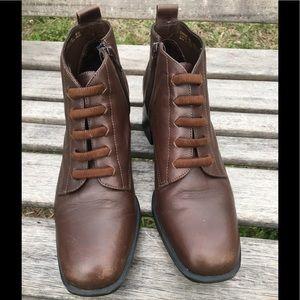 Laura Scott brown leather booties women's size 8